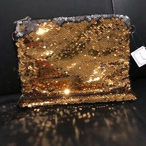 Handbags - ✨New✨ Sequin Clutch/Bag Gold!